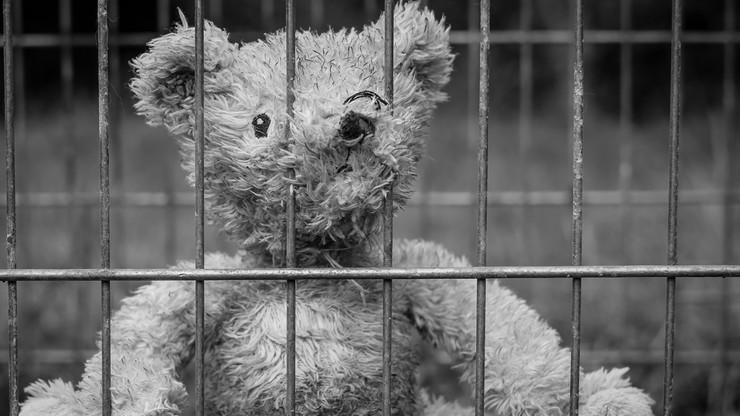 W tym kraju nawet 10-latki trafiają do więzienia. Karę odbywa niemal 600 dzieci