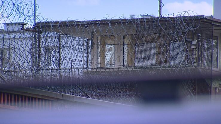 Mieli nielegalnie organizować pracę więźniów. Oskarżonych 10 funkcjonariuszy Służby Więziennej