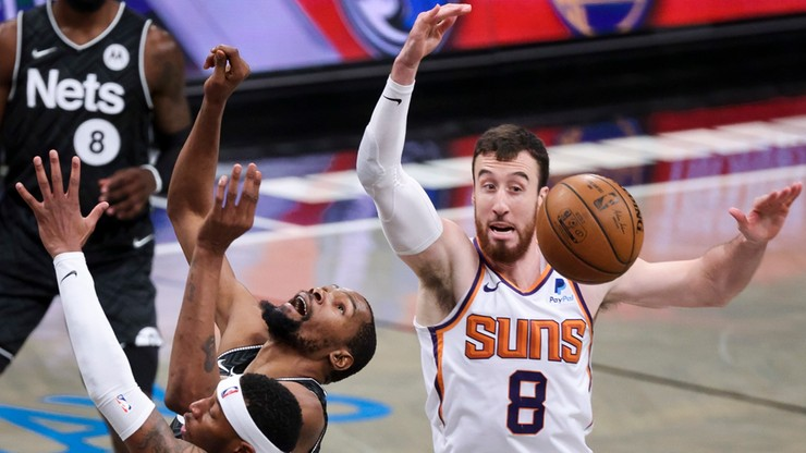 NBA: Koszykarze Phoenix Suns pewni udziału w play off