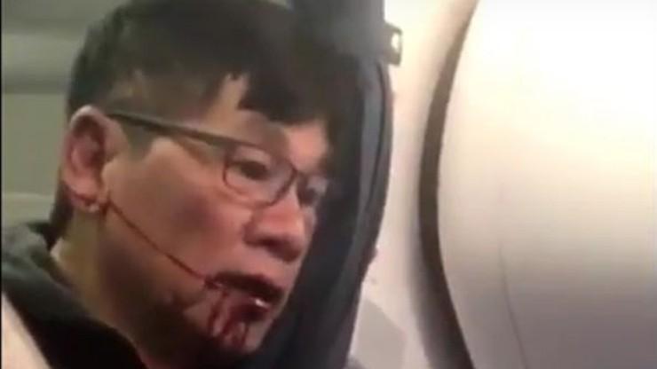 Siłą chciano usunąć pasażera z samolotu, bo zabrakło miejsc