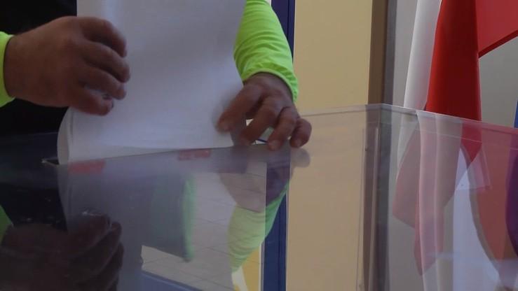 Pijany wyborca podarł karty do głosowania