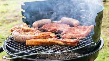 Ekspert ostrzega: potrawy z grilla i alkohol to fatalna mieszanka