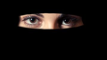 Włochy: całkowity zakaz noszenia burek w miasteczku na północy