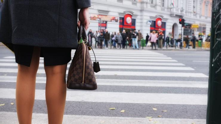 Kobiety w UE zarabiają o 16 proc. mniej za godzinę niż mężczyźni