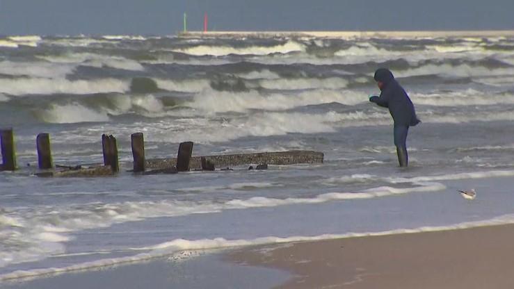 Bardzo silny wiatr w nadmorskich powiatach. Rządowe Centrum Bezpieczeństwa ostrzega