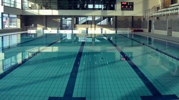 69-latek utonął na strzeżonym basenie w Zabrzu. Sprawę bada policja