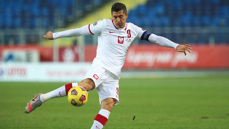 Wiadomo, dlaczego Robert Lewandowski został zmieniony w przerwie meczu z Holandią