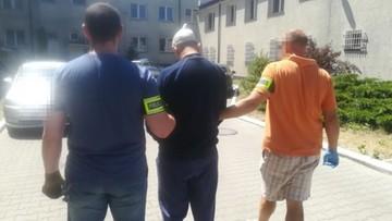 Areszt dla podejrzanego o zabójstwo w Jabłonnie. Obok ciała 37-letniej kobiety leżało żywe niemowlę