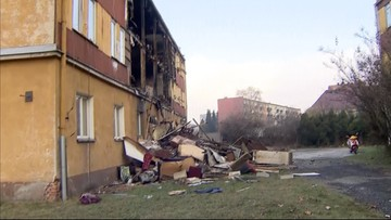 Pożar budynku socjalnego w Zdzieszowicach. Ewakuowano 19 lokatorów, dwie osoby są ranne