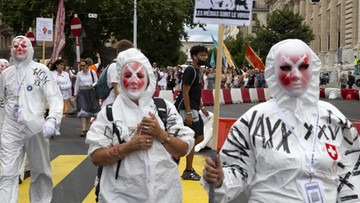 Wstrzymane testy szczepionki, protesty we Francji. Raport Dnia