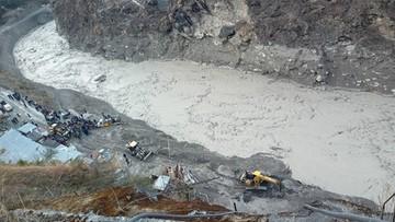 Indie. 140 zaginionych i 9 ofiar powodzi wywołanej pęknięciem lodowca
