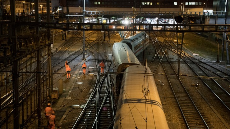 Wypadek niemieckiego pociągu ekspresowego. Wykoleiły się trzy wagony