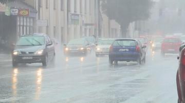 IMGW ostrzega przed burzami z gradem. Alerty dla ośmiu województw