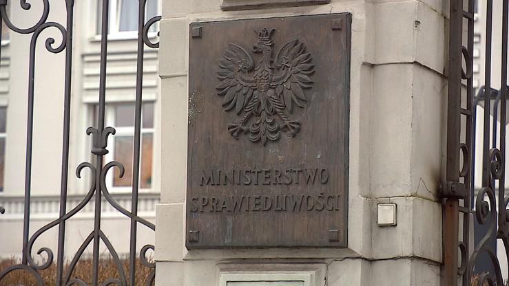 Projekt ustawy o IPN konsultowano tylko z jedną osobą - obecnie wiceszefem Polskiej Fundacji Narodowej