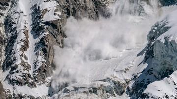 Lawina runęła na stok narciarski we Włoszech. Nie żyją kobieta i dwoje dzieci [WIDEO]