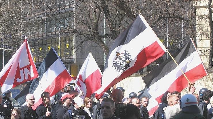 Ekstremiści z Niemiec ukrywają się w Polsce? Trwają poszukiwania 475 osób