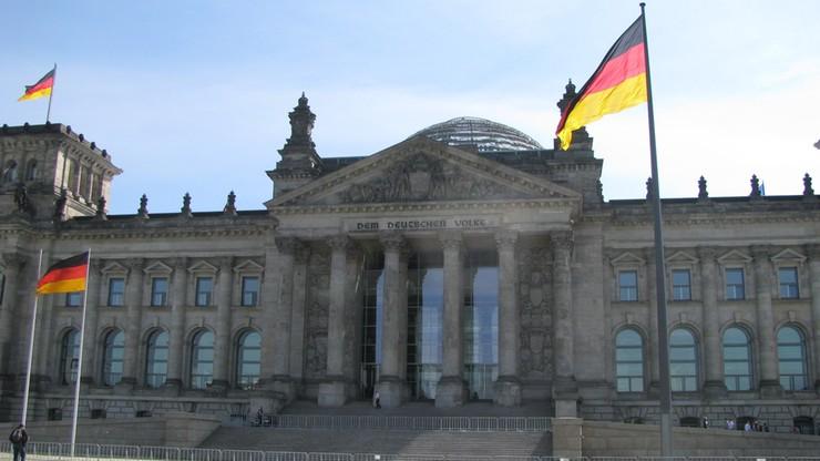"""""""Lammert karci Polskę"""". Szef Bundestagu przyłączył się do krytyki wobec polskiego rządu"""
