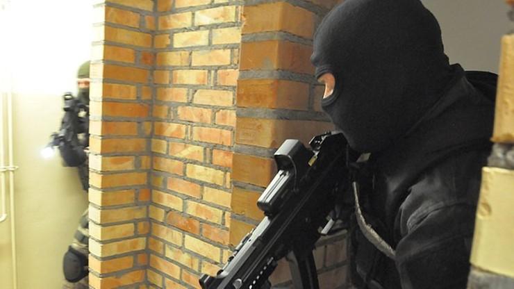 Nowy Targ. 19-latka opublikowała zdjęcie broni i napisała o zamachu. Na jej żart zareagował Interpol