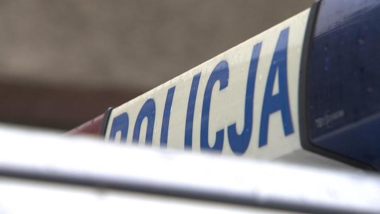 24-latek uciekł z konwoju. Policja prowadzi postępowanie wyjaśniające