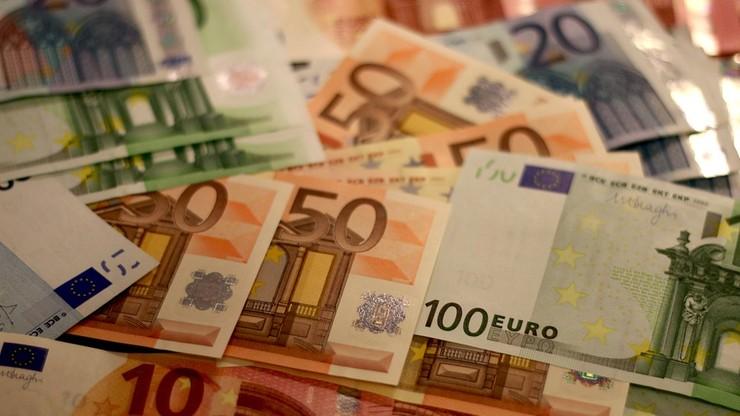 Poznań: Trzech cudzoziemców próbowało wypłacić z banku 40 mln euro