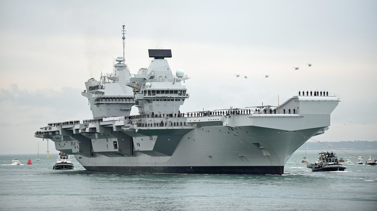 Największy okręt brytyjskiej marynarki przecieka. Niedawno wprowadzono do służby