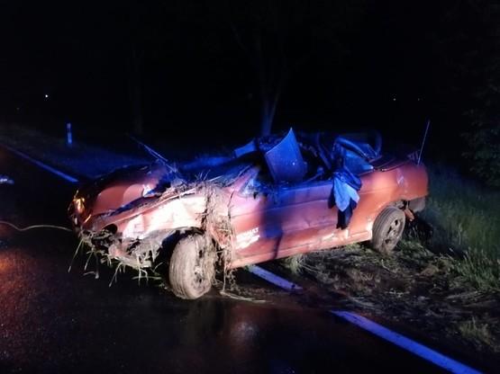 Ranny kierowca kabrioletu trafił do szpitala w Opocznie