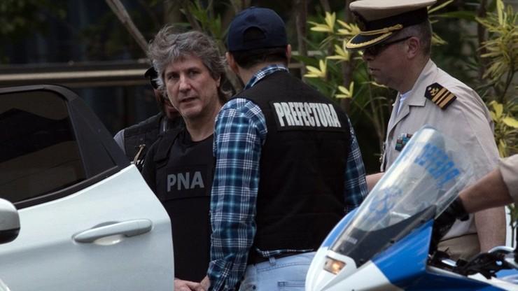 Korupcja, kierowanie organizacją przestępczą, pranie brudnych pieniędzy. Były wiceprezydent Argentyny aresztowany