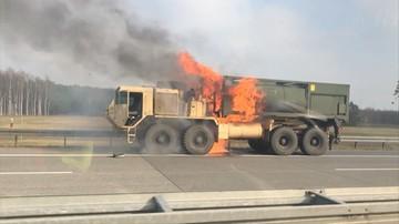 Pożar cysterny amerykańskich żołnierzy na autostradzie A2