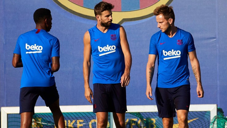 La Liga: Plaga kontuzji w Barcelonie i Realu Madryt szansą dla rywali