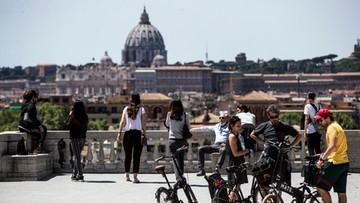 """""""Pojedziemy na wakacje, nie spędzimy lata na balkonie"""". Zapewnienia premiera Włoch"""