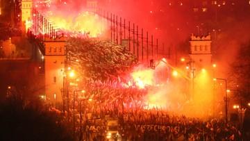 """Warszawa: marsz pod hasłem """"My chcemy Boga"""". Uczestnicy skandowali: raz sierpem, raz młotem czerwoną hołotę"""