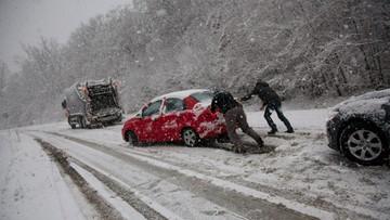 Awarie prądu, opóźnienia pociągów. Atak zimy na Węgrzech