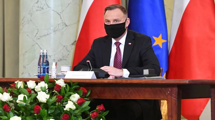 """Duda w """"L'Opinion"""": jesteśmy dumni z polskich osiągnięć demokracji"""