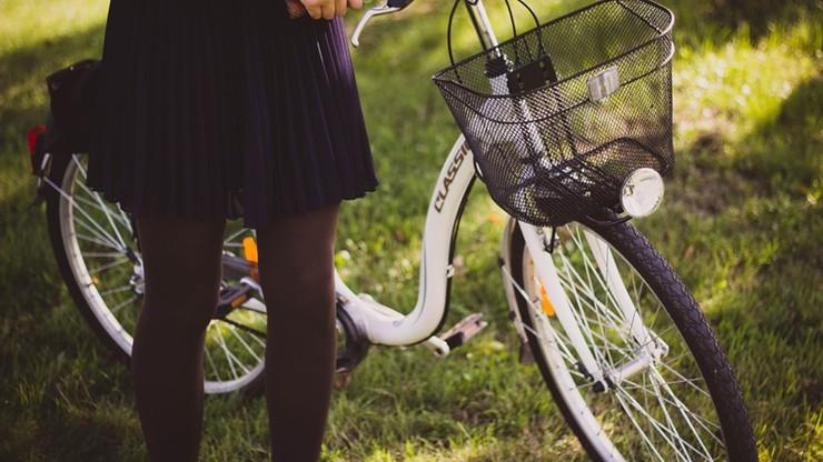 Czołowe zderzenie dwóch kobiet w Olsztynie. Na rowerach