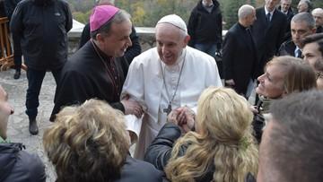 Media: papież przeszedł zabieg. Watykan o tym nie poinformował