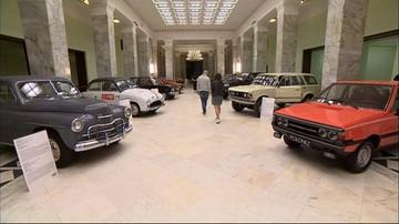 Klasyki polskiej motoryzacji w Pałacu Kultury i Nauki. Na wystawie blisko 40 modeli