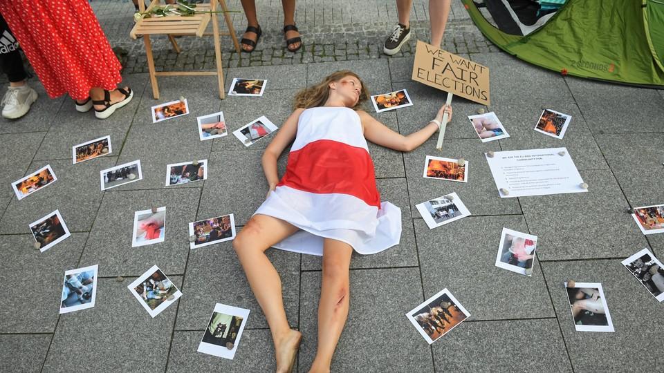 Dlaczego tysiące Białorusinów jest gotowych narażać się na pobicie i areszt?