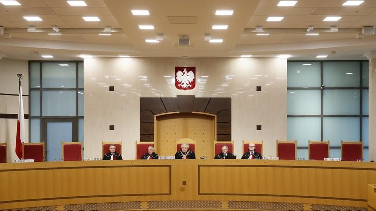 Sędziowie TK wybrani przez obecny Sejm odmówili udziału w rozprawie. Trybunał zebrał się w niepełnym składzie