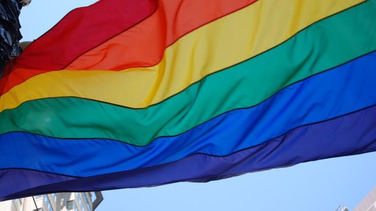 """Radni powiatu kieleckiego przeciw """"próbom wprowadzenia ideologii LGBT"""""""