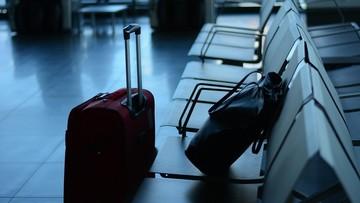 Opóźnione i odwołane loty z lotniska w Amsterdamie. Silne wiatry w Holandii