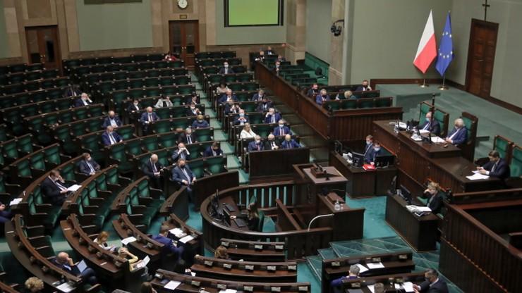 Hołownia na podium, PSL poza Sejmem. Najnowszy sondaż