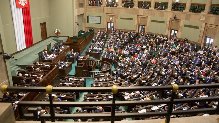 """Projekt ustawy """"Stop Pedofilii"""" w Sejmie. """"Deprawacja dotyka za pośrednictwem edukacji seksualnej"""""""