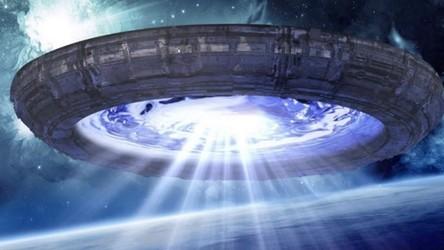 Raport o UFO wskazuje na kosmitów. Tak uważa były zastępca sekretarza obrony USA