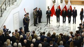 W Sejmie odsłonięto tablicę Lecha Kaczyńskiego. Na uroczystość nie wpuszczono dziennikarzy