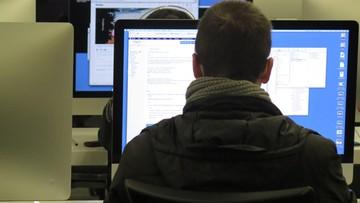 Minister cyfryzacji: do września 2018 r. internet szerokopasmowy w każdej szkole