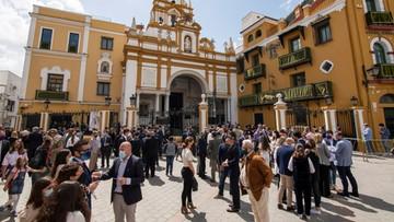 """Hiszpania: liczba zakażeń wróciła do poziomu """"wysokiego ryzyka"""""""