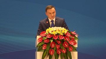 Prezydent Duda podsumował wizytę w Chinach. Mówił też o TK i usunięciu flag UE