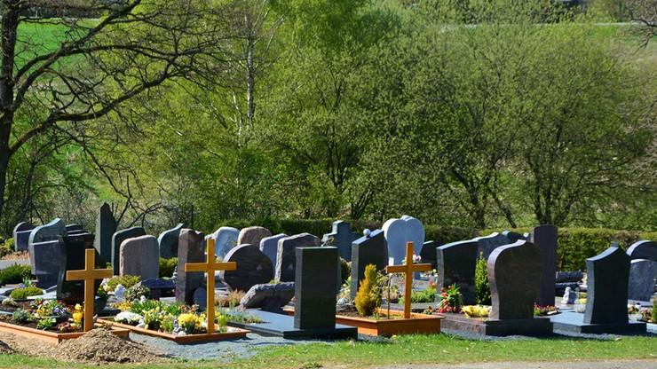 Ukraina: przyszedł odwiedzić groby na cmentarzu, zginął w wybuchu miny