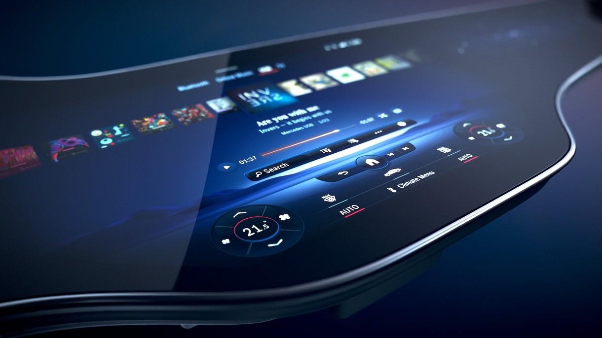 Oto Hyperscreen, czyli 65-calowy wyświetlacz w kokpicie nowego elektryka od Mercedesa