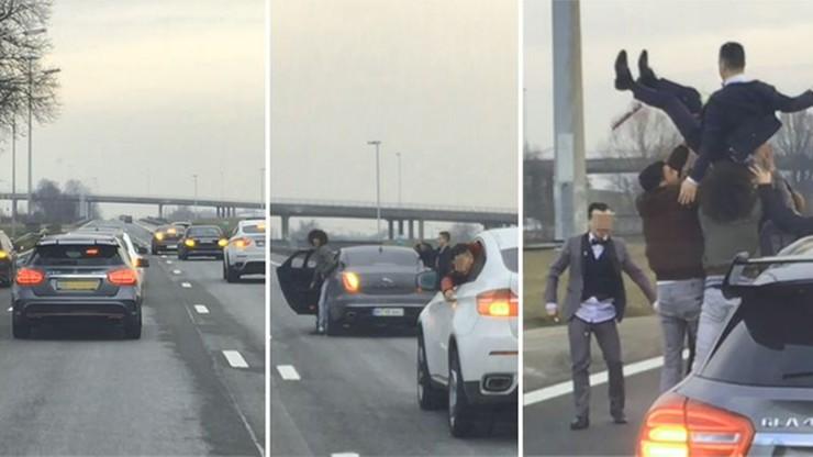 """Turecki orszak weselny. Zabawa na autostradzie, zarekwirowane auto. """"Obrzydliwy hiperegoizm"""" [WIDEO]"""
